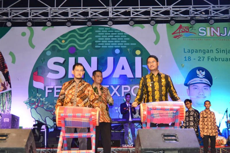 Asisten III Pemprov Sulsel buka Sinjai Fest dan Expo