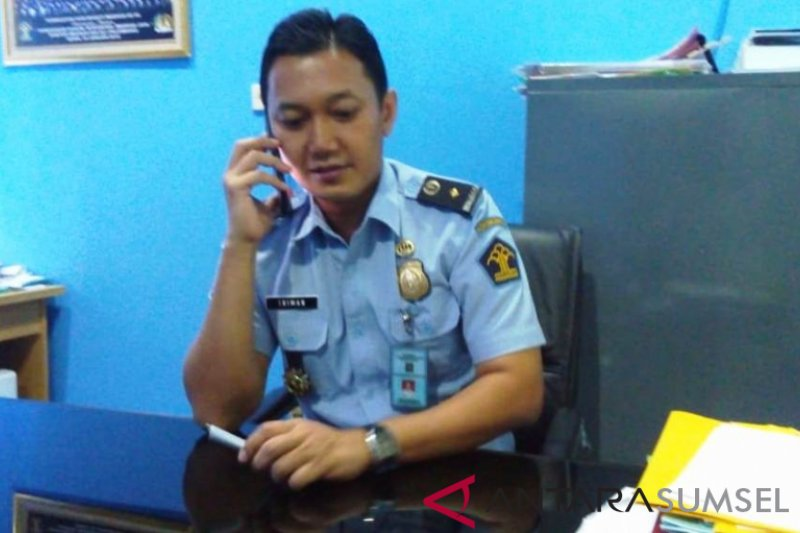 Pasca-Lebaran, permohonan paspor di Palembang  normal