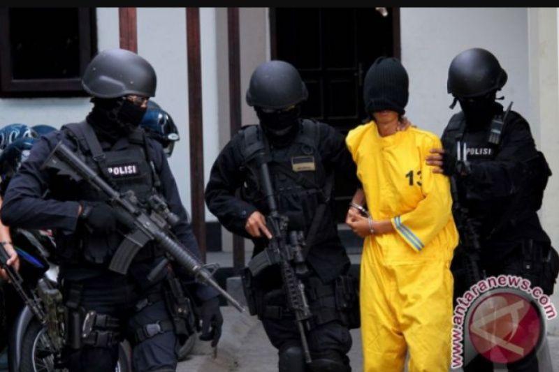Densus 88 Antiteror amankan dua terduga teroris di Bandung