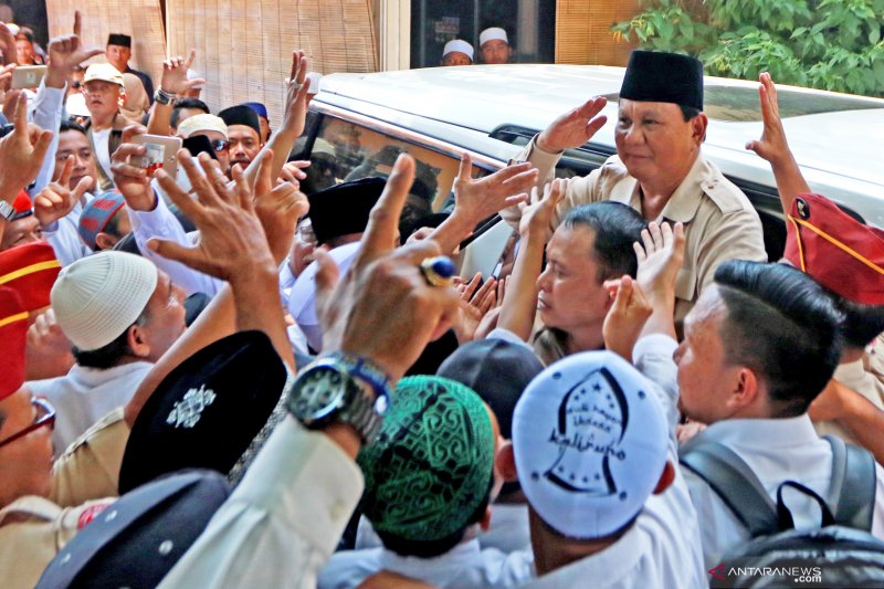 Prabowo Subianto berkunjung ke Pondok Pesantren  Salafiyah Syafiiyah Situbondo