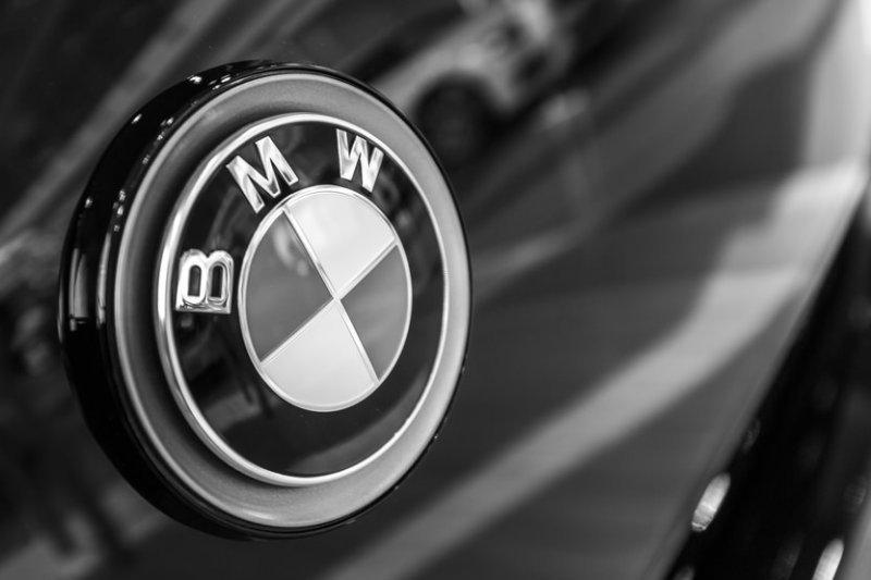 BMW 840i Coupe, Convertible mulai dijual di Australia pada September