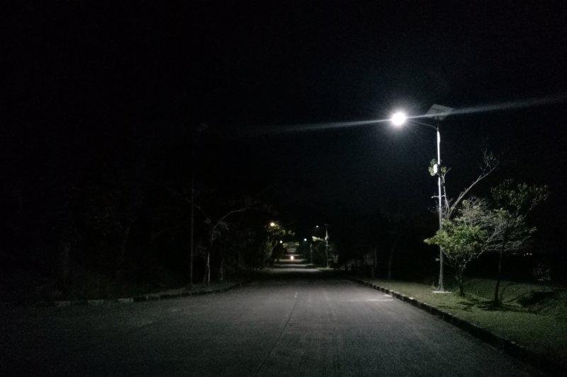 Matahari malam untuk para penyadap