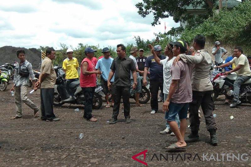Dua perusahan di Bartim saling serang, warga jadi korbannya!