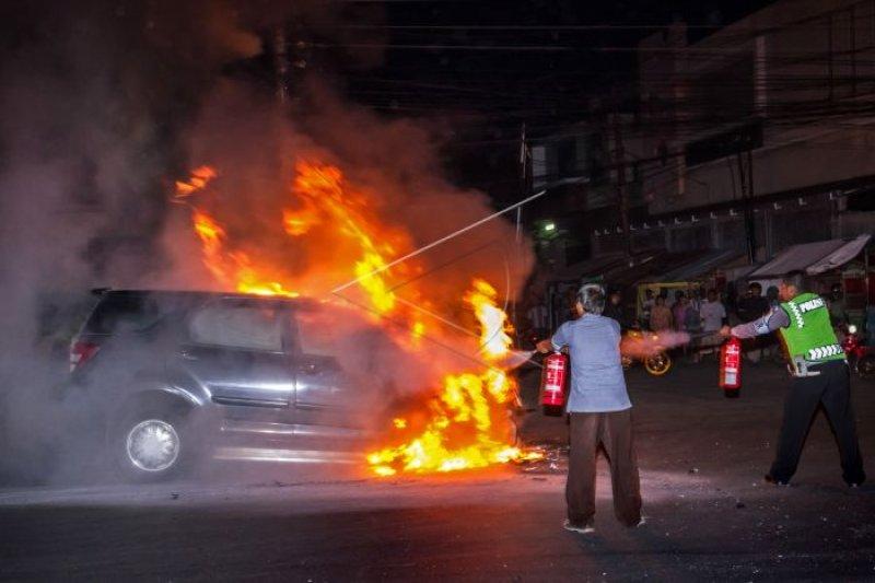 Teror bakar mobil di Semarang kembali terjadi