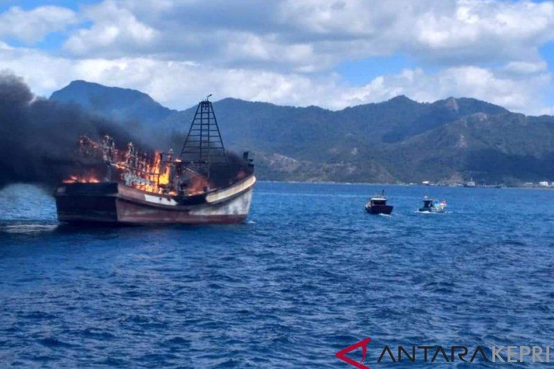 Lanal Ranai musnahkan tiga kapal ikan Vietnam