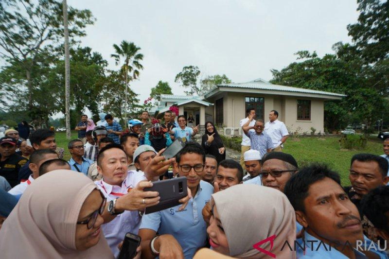 Vidio - Sandi singgah ke rumah kelahiran di Rumbai Riau