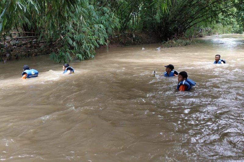 Tim SAR lanjutkan pencarian korban Sungai Bener Banyumas