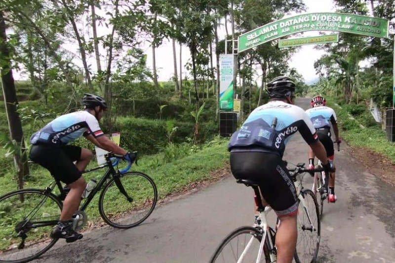 Bikers Jelajah Trans Jawa dipameri manfaat dana desa