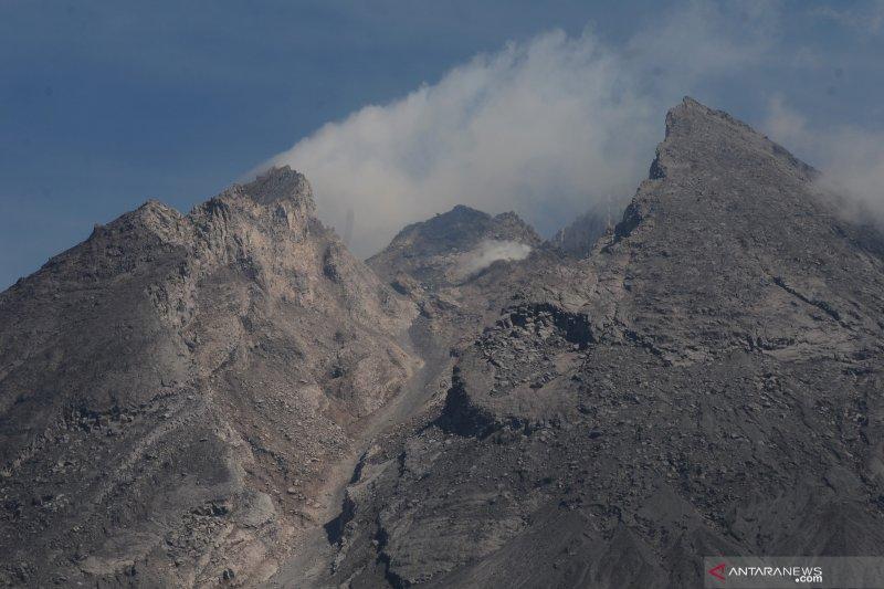 Guguran lava sejauh 1.200 meter diluncurkan Gunung Merapi
