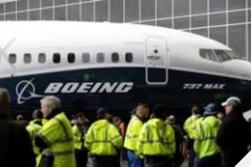 Boeing tunda uji penerbangan manusia ke luar angkasa