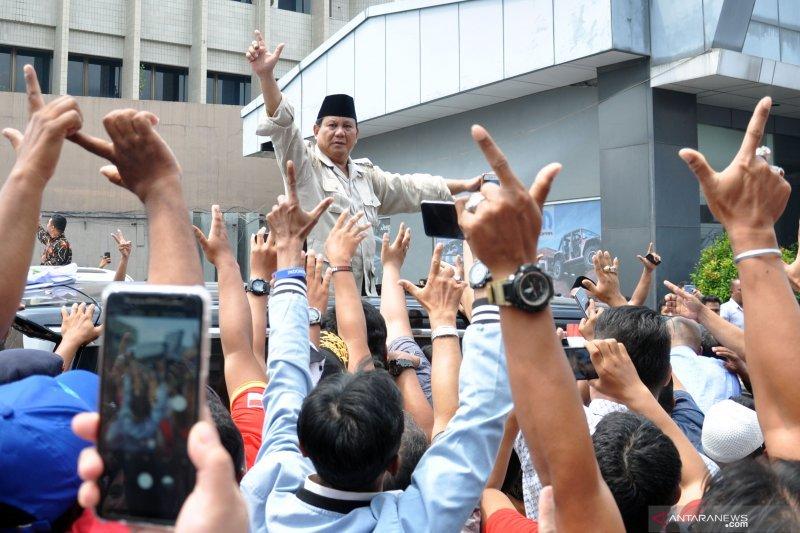 Prabowo Ingatkan pendukungnya kawal suara di TPS