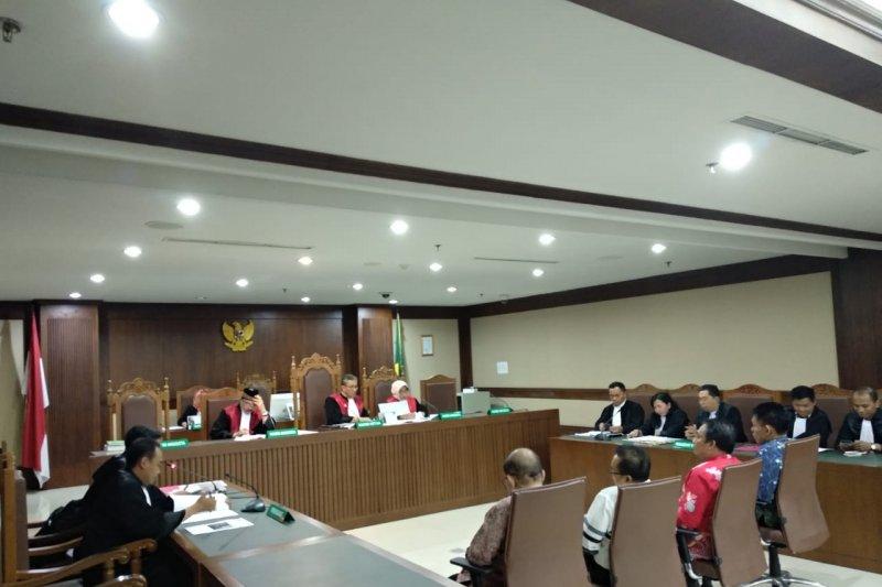 Empat anggota DPRD Kalteng didakwa terima suap Rp240 juta