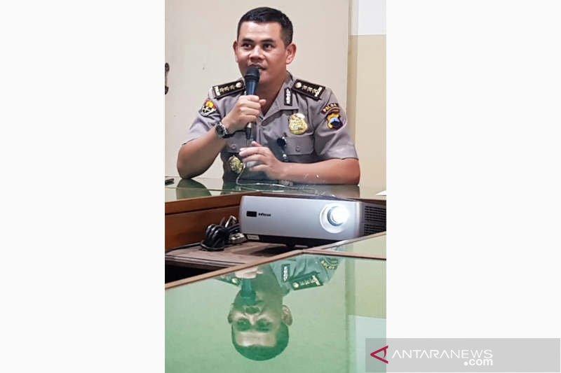 Polisi buru tujuh tahanan Polres kabur