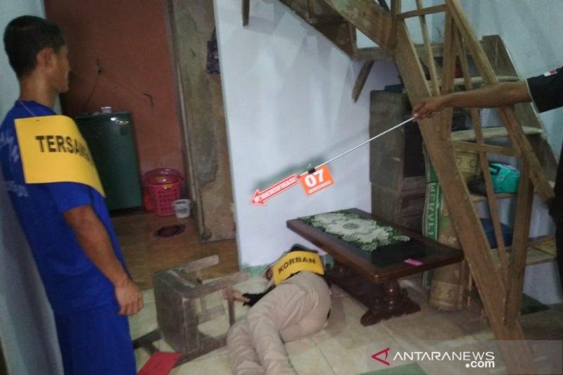 Polisi gelar rekonstruksi suami aniaya istri hingga meninggal