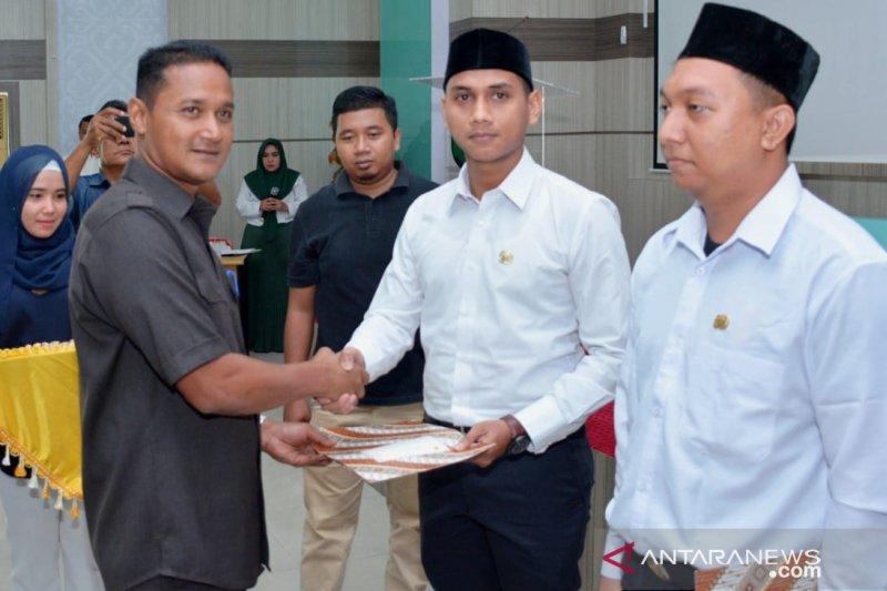 Wali Kota Sabang serahkan SK 122 CPNS