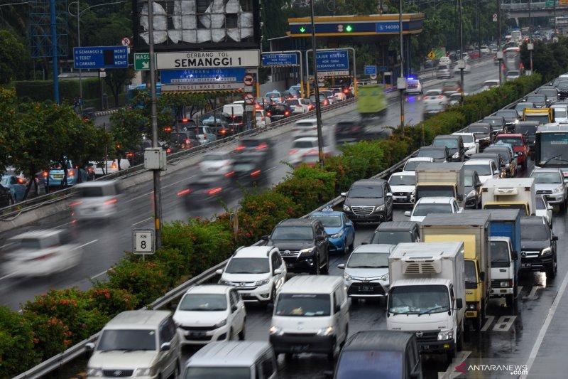 Polisi tangkap pengemudi yang arogan di tol Pancoran