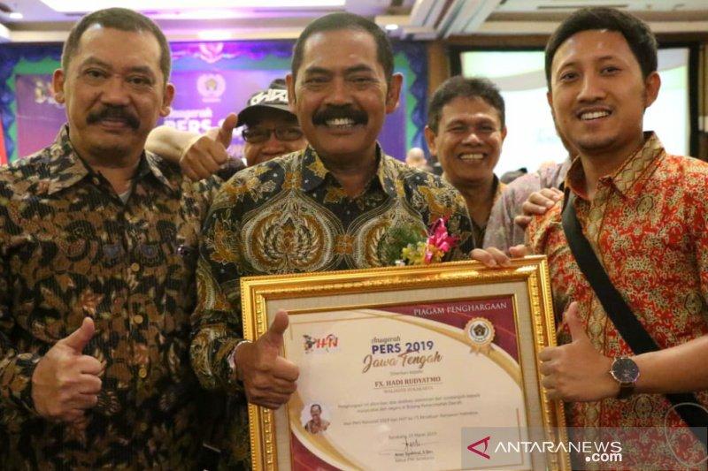 PWI serahkan penghargaan pada 22 sosok berpengaruh
