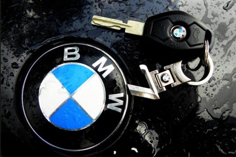 Dongkrak penjualan, BMW hadirkan Seri 3 baru