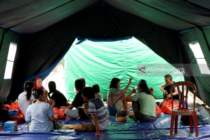Korban kebakaran di Krukut tempati tenda penampungan