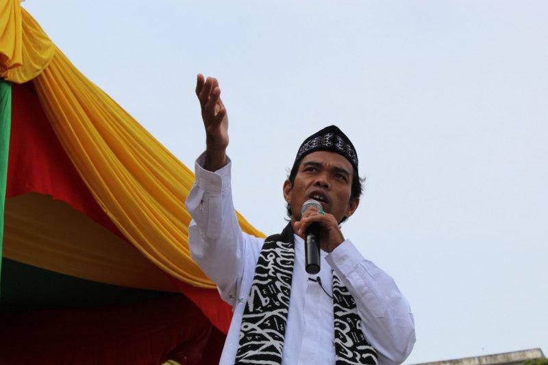 """Lembaga Adat Melayu Riau siap dampingi UAS hadapi kasus """"salib"""""""