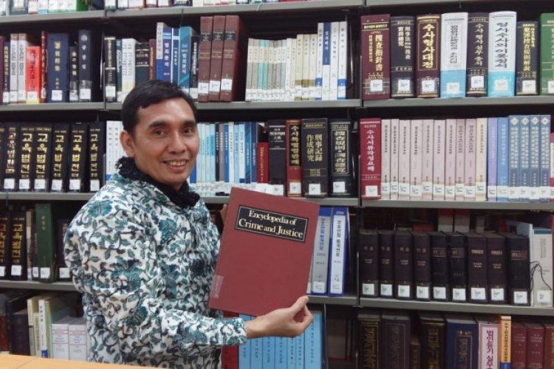 KPK tinggal cerita dongeng di republik ini oleh Azmi Syahputra