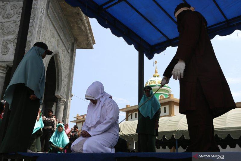 Hukum cambuk bagi pelanggar hukum syariat Islam