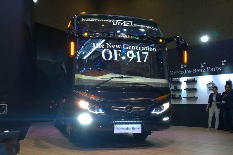 Mercedes-Benz rilis bus  wisata