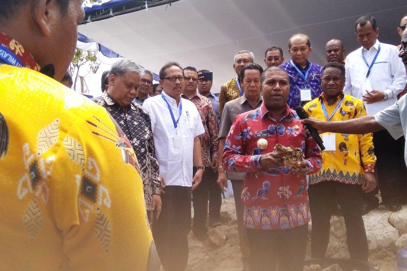 Warga Biak lepas 20 ha tanah adat untuk bangun kantor layanan Dikti
