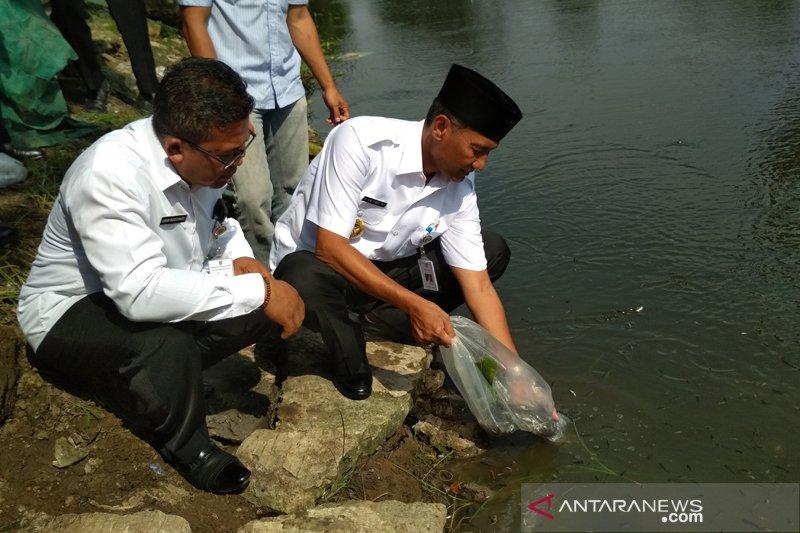 370.000 benih ikan ditebar di perairan umum di Kudus