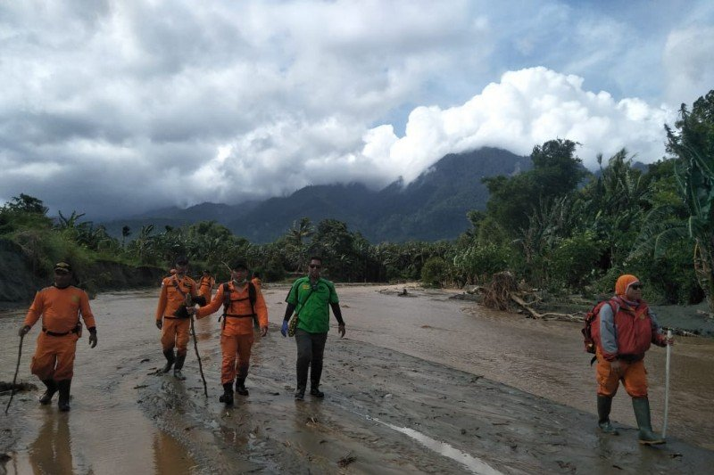 Tim SAR gabungan sisir korban banjir bandang Jayapura di empat lokasi