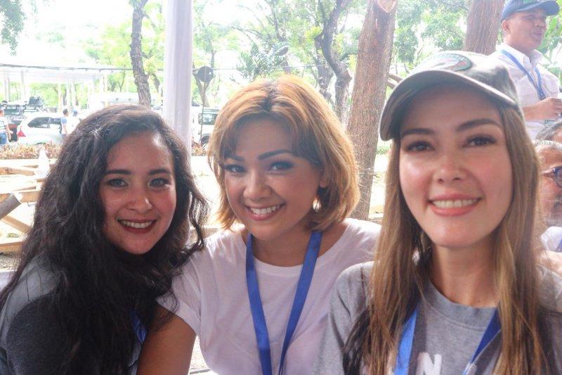 Nirina Zubir, Ayushita, Cathy Sharon dan artis lainnya bangga atas MRT