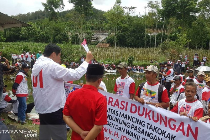 Seribuan warga dan komunitas deklarasi dukung Jokowi-KH Ma'ruf Amin