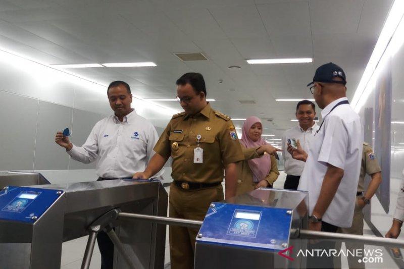 Anies manfaatkan Trans Jakarta untuk integrasi antarmoda transportasi