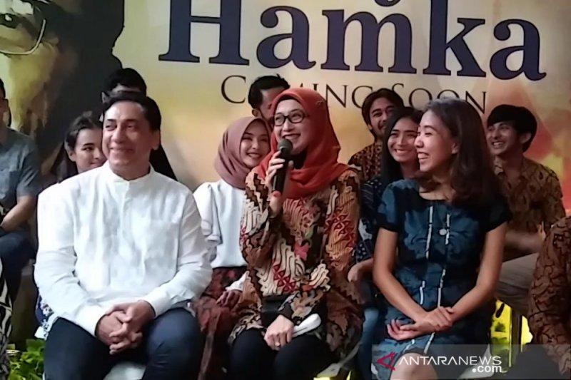 Laudya Cynthia Bella dan Desy Ratnasari ditantang berbahasa Minang