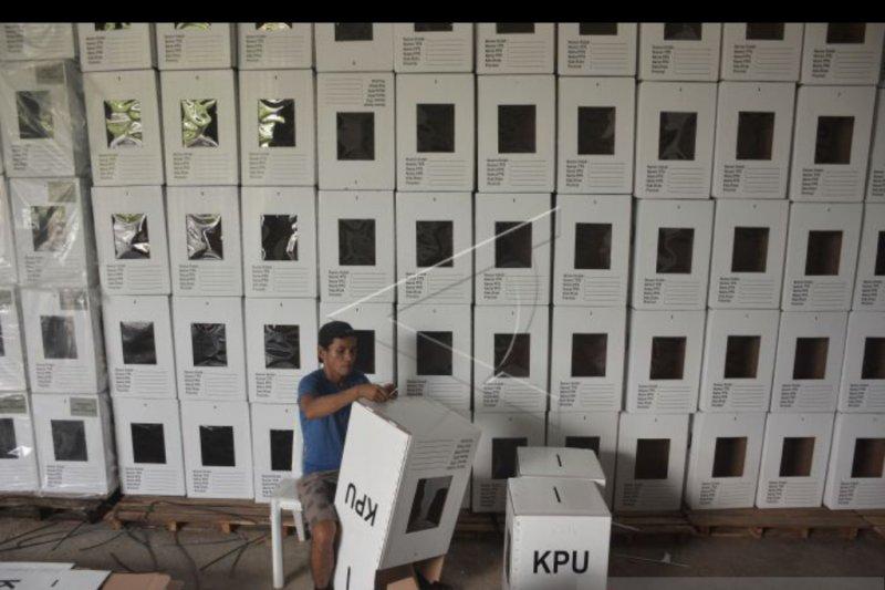 KPU Badung rakit kotak suara pengganti