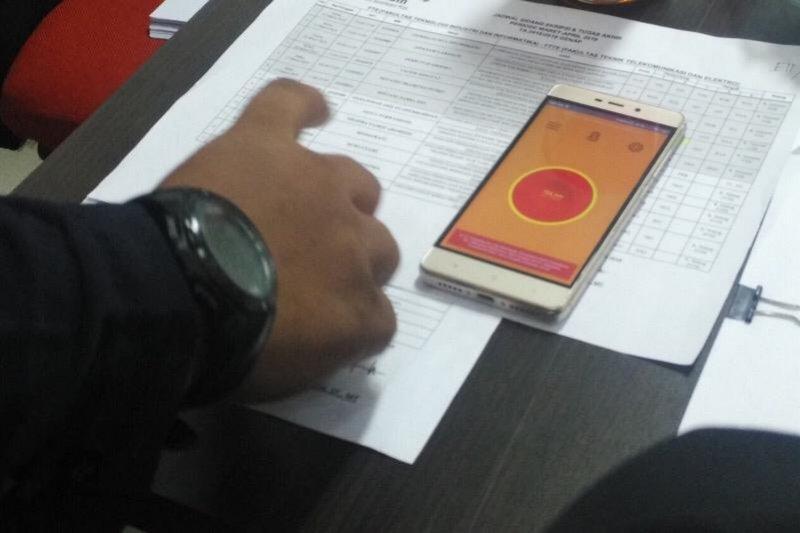 Mahasiswa Telkom ciptakan tombol darurat berbasis ponsel android