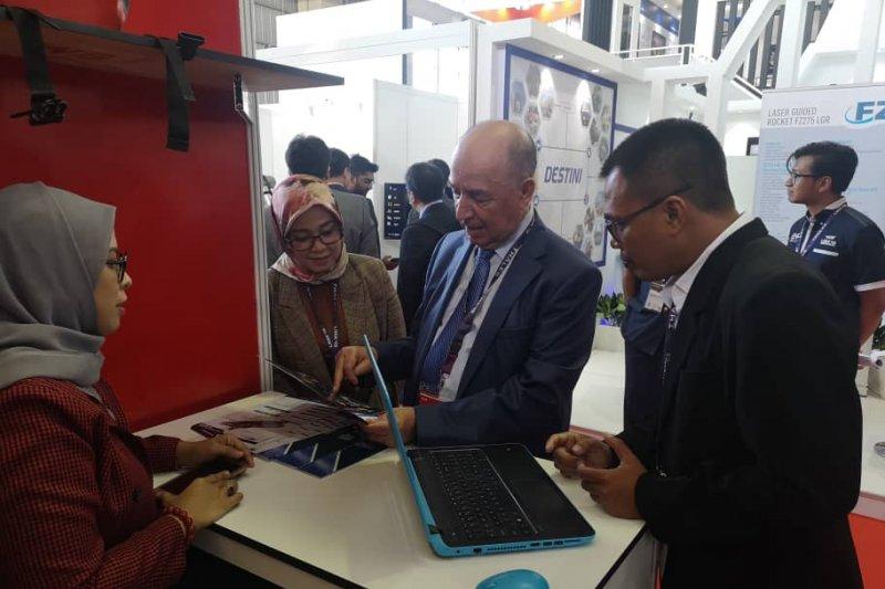KBRI Kuala Lumpur Ikuti Pameran Dirgantara di Langkawi