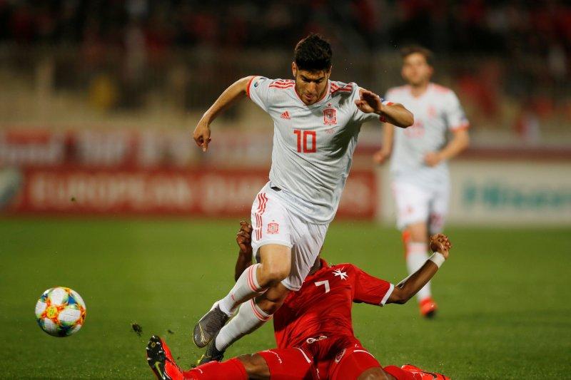 Gelandang Real Madrid sukses jalani operasi lutut