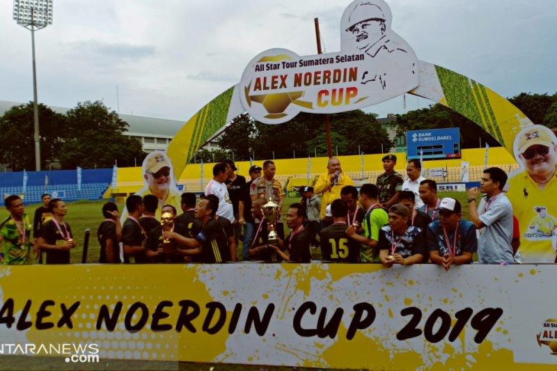 Alex Noerdin tetap upayakan Ronaldinho ke Palembang