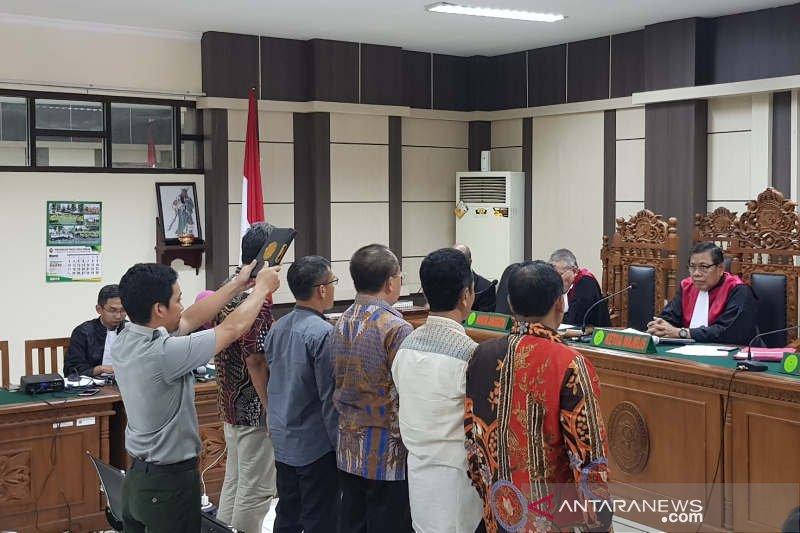 Pengadilan Tipikor periksa dua bupati penyuap Wakil Ketua DPR