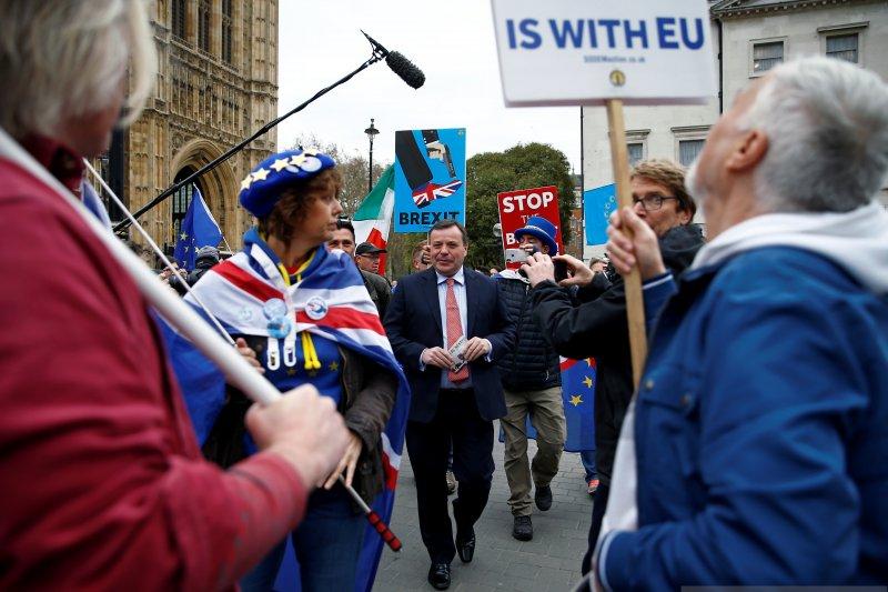 Uni Eropa kepada Inggris: manfaatkan waktu perpanjangan Brexit