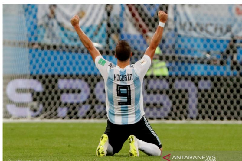 Tak Pernah Sepi dari Kritik Higuain Pensiun dari Timnas Argentina