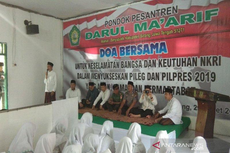 Ratusan santri di Kabupaten Batang deklarasikan Pemilu Damai