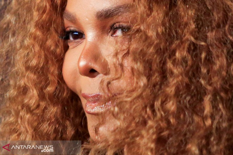 35 tahun berlalu, album Janet Jackson kembali masuk charts