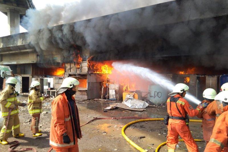 Pemkot Jakut pastikan bantuan makanan bagi korban kebakaran Pejagalan