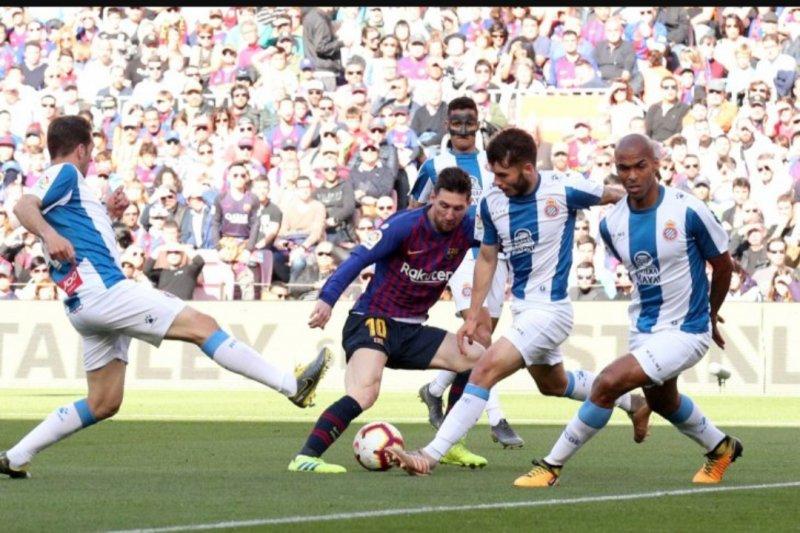 Messi cetak dua gol, Barca gilas Espanyol