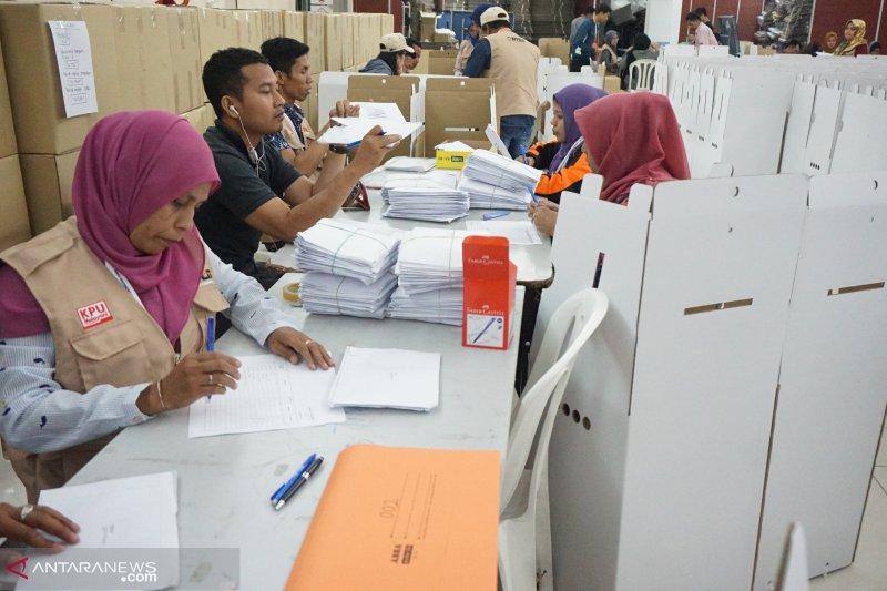 Pemungutan suara di Malaysia diminta untuk ditunda