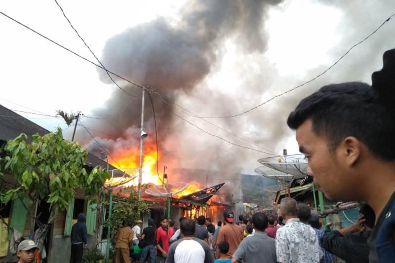 Lima bocah  terpanggang di Tapsel akibat  sisa kayu bakar