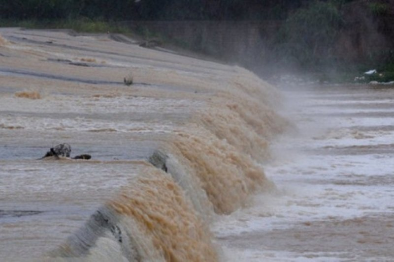 Iran evakuasi lebih banyak korban banjir