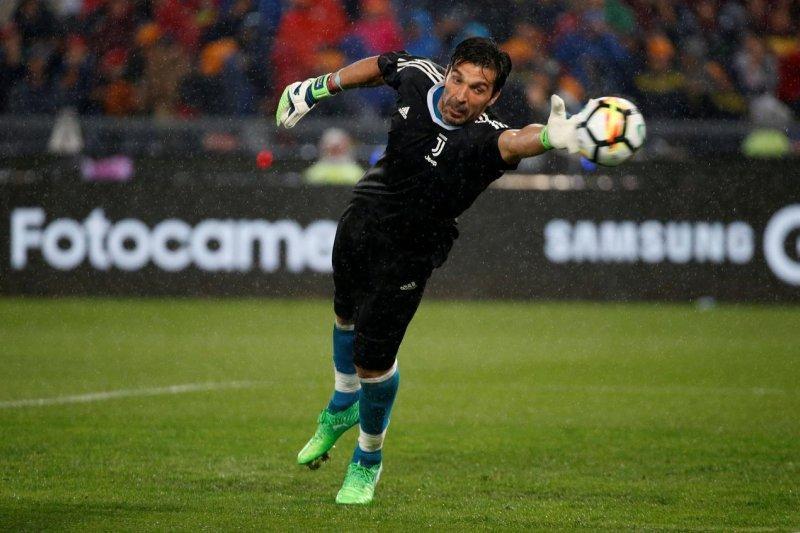 Juventus menang adu penalti lawan Inter Milan Buffon jadi pahlawan